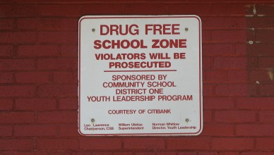 New_York_City_Drug_Free_School_Zone_Sign
